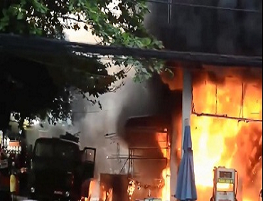 Nhập nhiên liệu sai quy trình - nguy cơ gây cháy, nổ cao tại các cửa hàng xăng, dầu